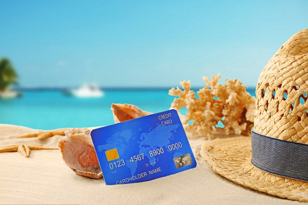 Make your international vacation more rewarding using Credit Card offers this summer